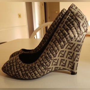 Fendi Brown Zucchino Print Quilted Canvas Peep Toe